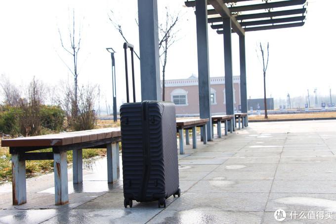 舒提啦24寸抗摔旅行箱·3轴承密封万向轮·移动的家更要安全守护
