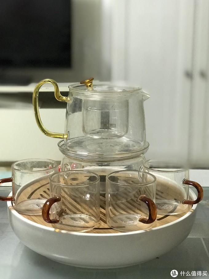 原来的玻璃茶壶+玻璃杯子+陶瓷茶盘