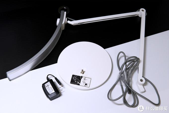 护眼台灯能给夜间办公带来哪些提升,明基WiT台灯使用分享