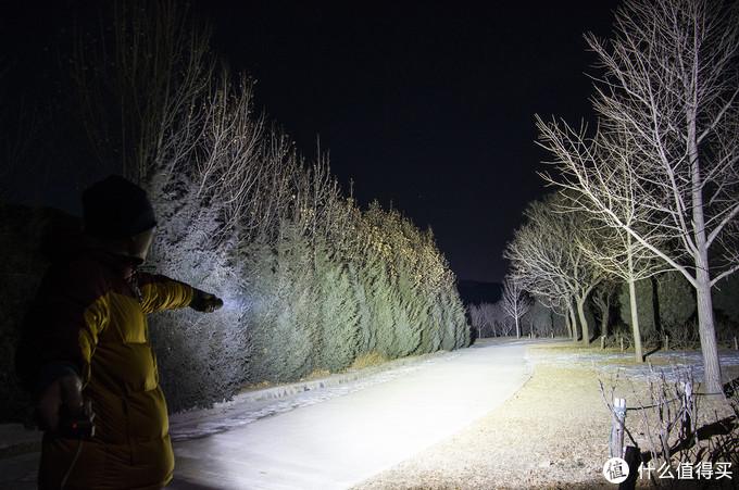 光通量一万五,黑夜踪影全无:骇客HK04手电