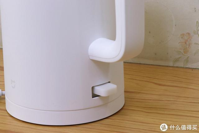 米家电水壶1A:煮水不久候,暖心不烫手