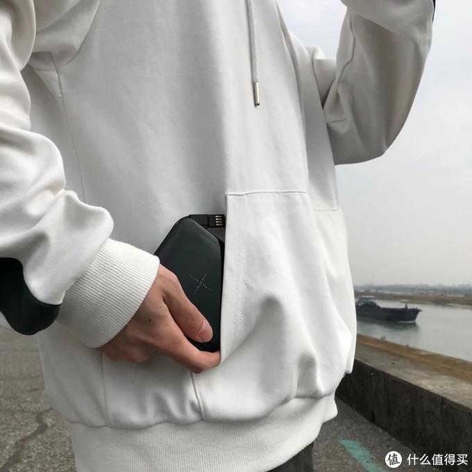 轻装出门,口袋中的南卡无线移动电源POW-1