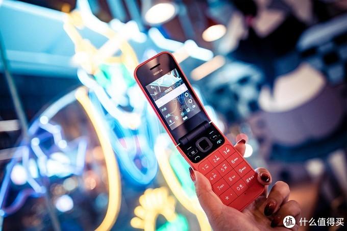 情怀加持的4G翻盖机 诺基亚2720体验