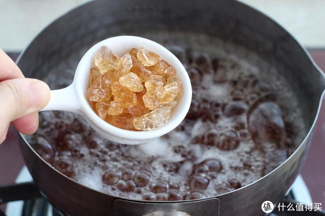 冬季滋补要由内而外,此汤羹早晚喝一次,Q弹嫩滑展现健康好气色