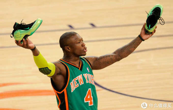 盛产运动长人的NBA,球员们的鞋码都很惊人