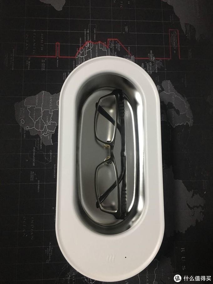水槽里放一副眼镜刚刚好,就拿你开洗吧