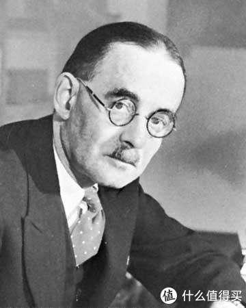 丘克拉斯基(J.Czochralski)发明的提拉法,可以低成本制造人工无色蓝宝石、红宝石等多种宝石晶体