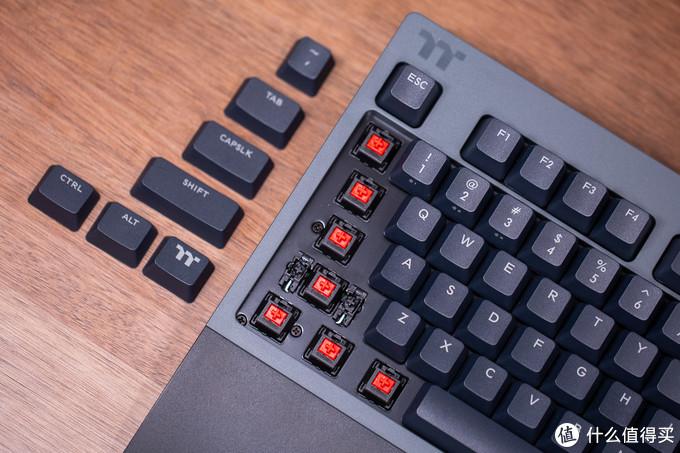 轻松实现多设备切换-TT 曜越 G821飞行家无线三模键盘体验分享