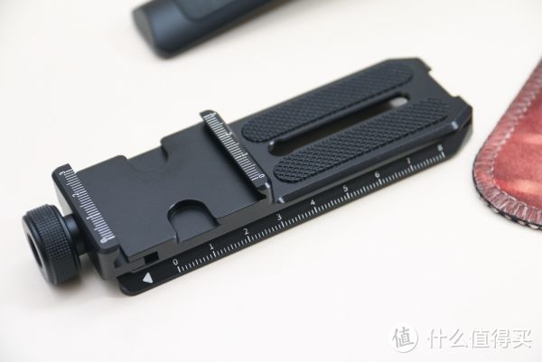 飞宇AK2000S微单稳定器:多种潮流玩法,单反也能用
