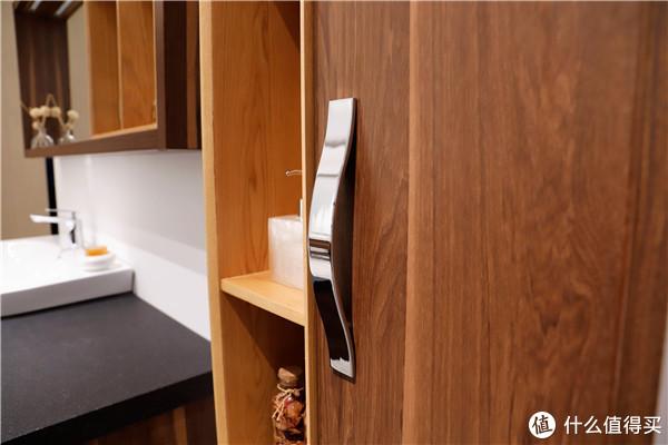 不挑风格还耐看?这款浴室柜解决了卫生间的收纳大患!(金柏丽雅浴室柜测评)
