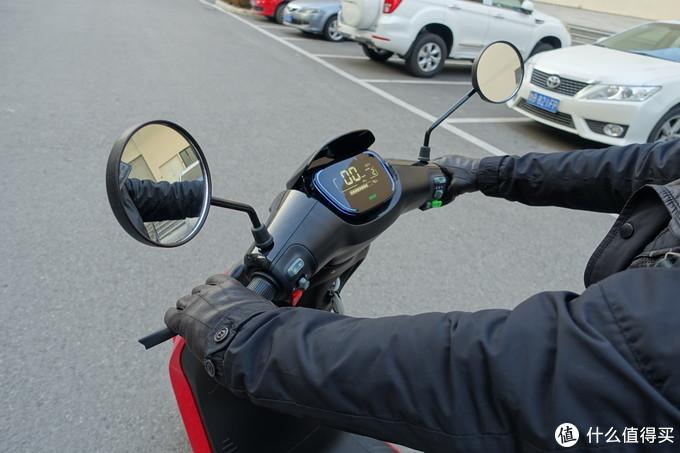 带我回到自由天堂,九号 E100 电动摩托车评测