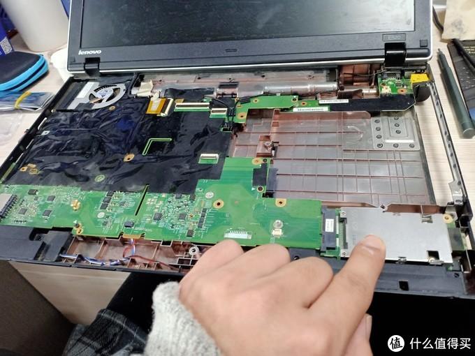 返过来安装主板,蓝牙模块,SD卡读取器