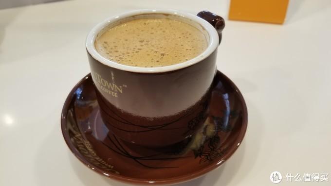 下山后可以在旧街场咖啡店小憩,品尝正宗的马来西亚白咖啡。