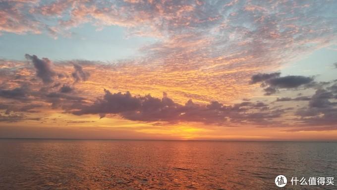丹绒亚路海滩日落,确实很美!