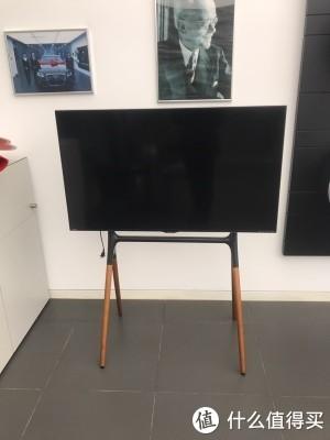 公司刚安装的电视挂架 颠覆了我的想像