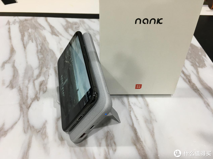 颜值高、充电快、支持18W快充,Nank南卡无线充电宝体验