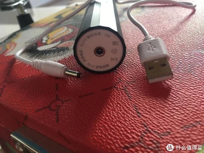 USB充电,充电场景比较丰富,比座充要方便
