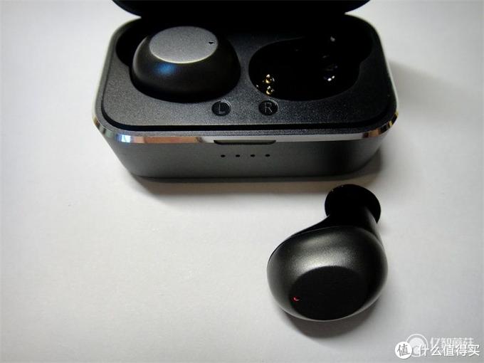 2020年TWS蓝牙耳机怎么选?体验ABRAMTEK E4 TWS无线蓝牙耳机 声临其境的感受
