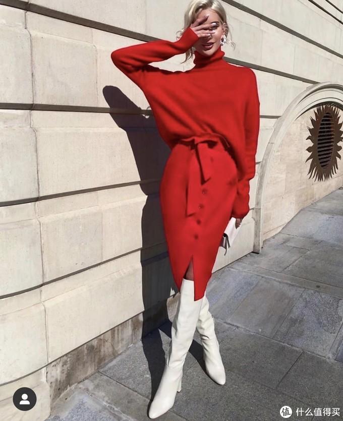 新年想买件红毛衣,又怕穿起来像大妈?这样穿像珍妮一样美