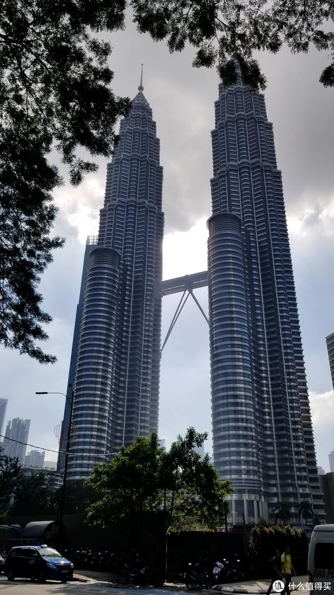 吉隆坡的标志,第一次还是在电影里看到。