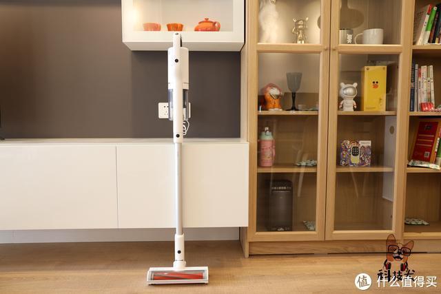 睿米NEX无绳吸尘器图赏:磁吸式无线充电 可深度清洁380平米户型