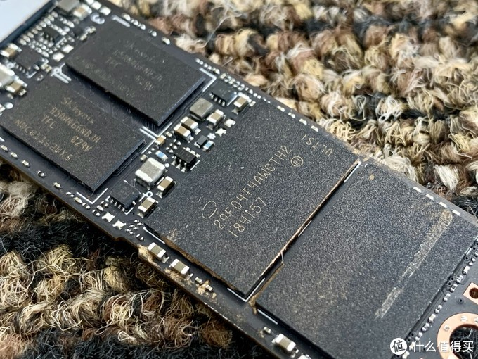 Intel 760P闪存