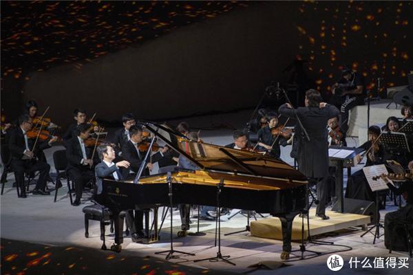 中国著名钢琴家郎朗登上埃尔奥拉Maraya音乐厅
