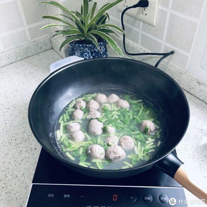 爱做饭妈咪遇上新厨具的故事