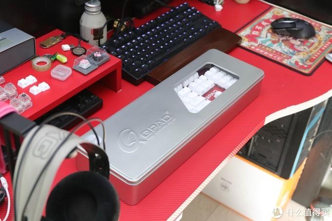 给我红色桌面再添一把'火',自带陀螺与声卡的机械键盘