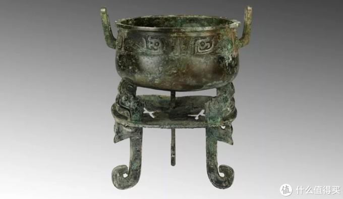 """山西博物院藏西周""""晋侯温鼎"""",托盘中可加木炭。(图:山西博物院)"""