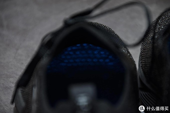 缓震休闲俱佳,2020年我的第一双主打鞋,R2 无极慢跑鞋
