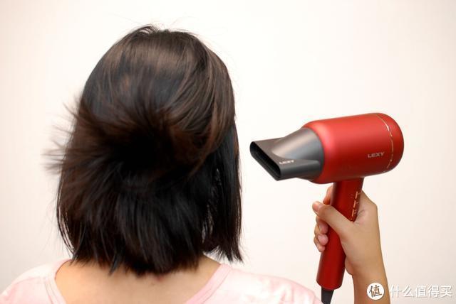 莱克吹风机护发又润发 吹出一头靓丽飘逸秀发