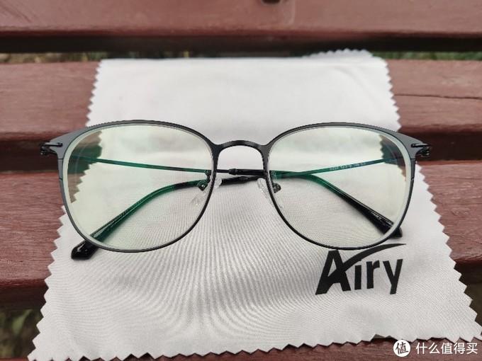 20+的眼镜和依视路有啥不一样???---简单对比~(多图多废话)