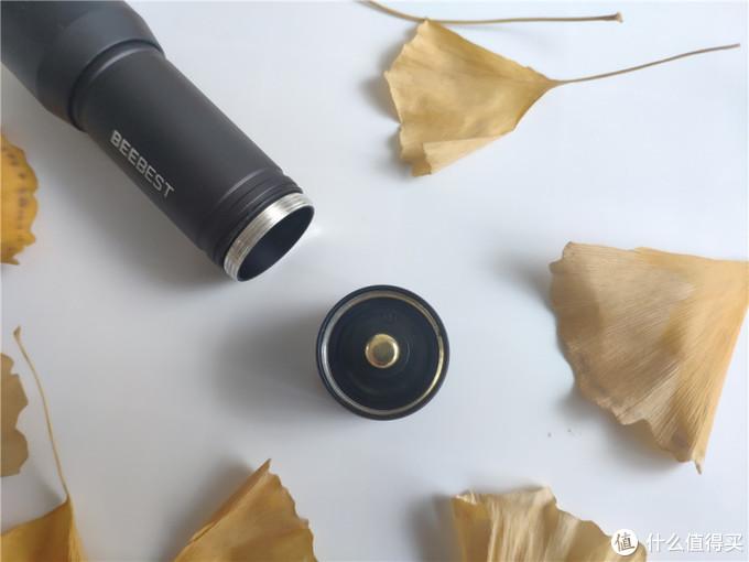 极蜂随身手电筒:三挡模式小巧便携出行必备