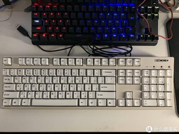 当时还是看了一个博主讲到pcb的生产日期让我也有一点想找到一把在自己生日出厂的键盘