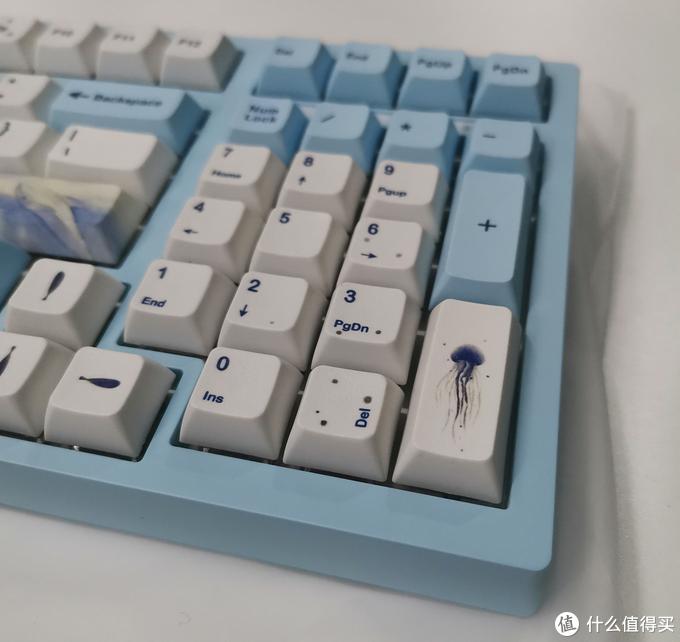 它,香吗?最便宜的无线980量产机械键盘开箱评测