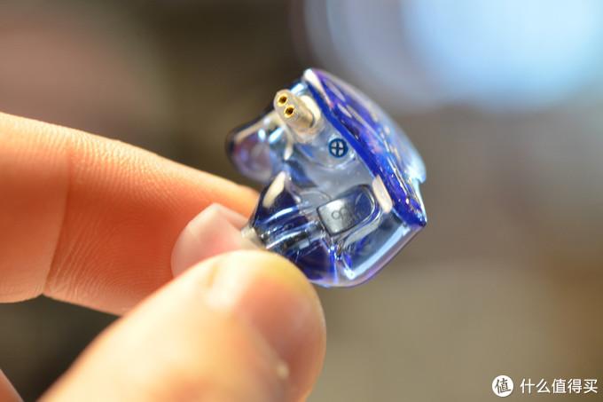 qdc天王星蓝牙套装对千元级塞子却也拿出了旗舰的态度