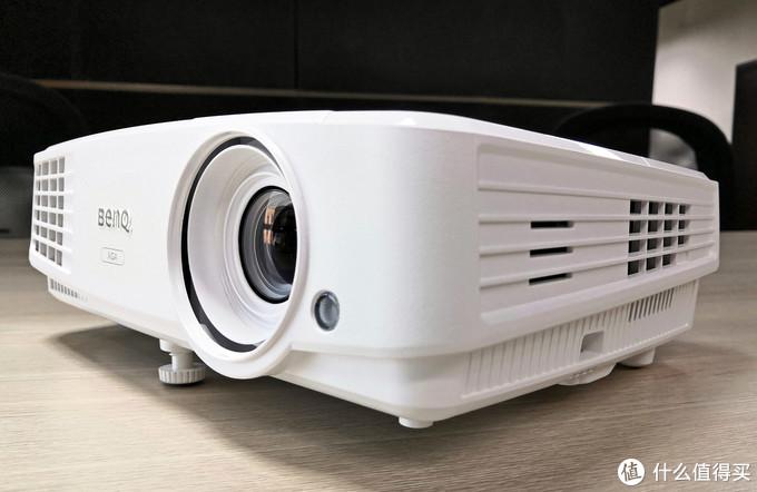 让会议摆脱有线束缚 明基E500智能投影仪堪称商务必备