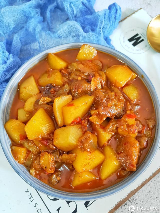 土豆和它天生一对,焖一焖比吃肉还香,我家1周吃3次,雷打不动