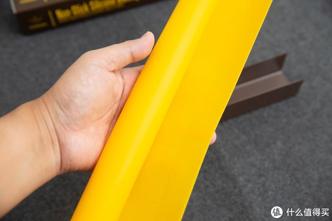 黄色是他家的主题色