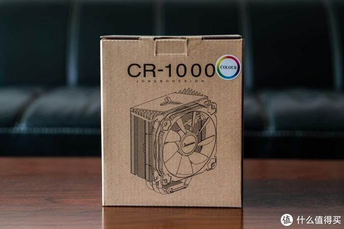 """素盒包装,右上角""""COLOR""""意味着这款散热器不支持RGB灯效同步"""