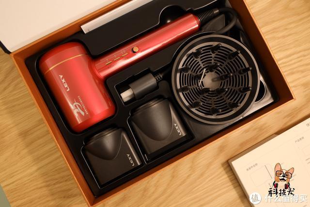 莱克水离子涡扇吹风机图赏:快干不伤发,补水更润泽