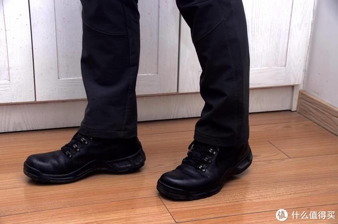 喜新不厌旧:一天一双靴子一个造型,除夕到初六各场合全适配