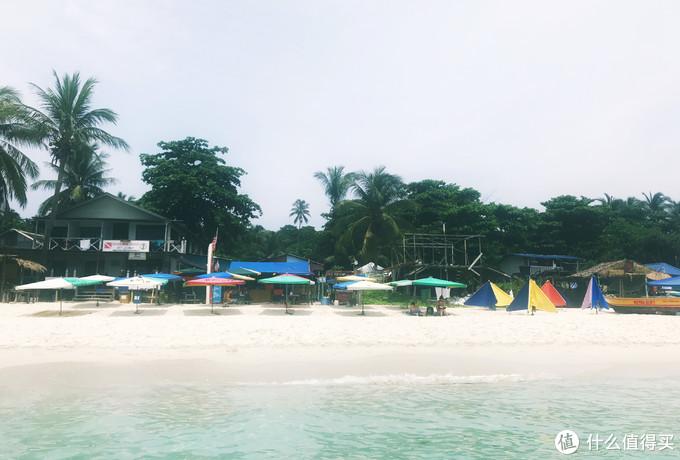 非酒店门口的公共沙滩