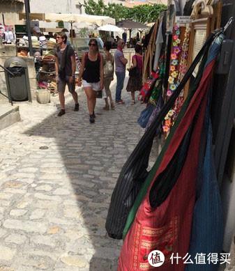 法国南部旅游,你会打卡哪些小镇,莱博镇和阿尔勒如何玩