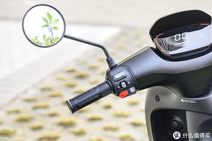 机车不解之缘,20年驾龄老司机玩转九号E100智能电动摩托车