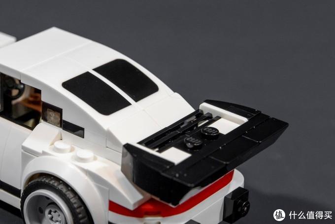 纤细的柔美速度感:乐高赛车系列75895 1974年版 保时捷 911 Turbo 3.0