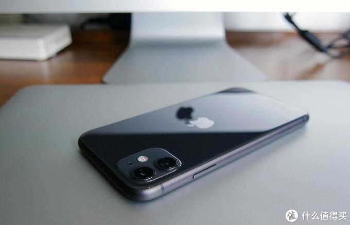 "iPhone12值得追吗?一个老""安卓党""的iPhone11日常使用报告"