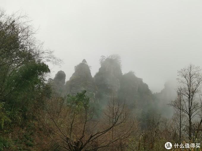 云雾里的五老峰