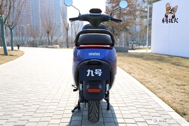九号电动摩托车E100值得入手吗?